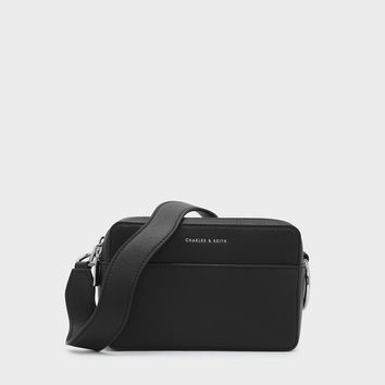 Black Basic Crossbody Bag|CHARLES & KEITH
