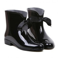 Sweet Solid Color and Ribbon Design Women's Rain Boots