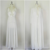 Vintage 1950s Long White Slip Nightgown and Robe