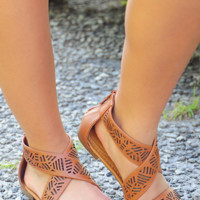 Incredible Journey Sandals: Cognac