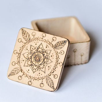Eco Wedding Wooden Ring Box - Pyrography Jewelry Box - Woodburning Ring Bearer Box - Beige and Brown
