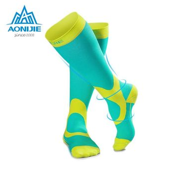Aonijie Women Men Unisex Leg Support Stretch Outdoor Sport Socks Knee High Compression Socks Hiking Running Long Socks