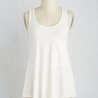 Mid-length Sleeveless Smart Starting Point Top in White
