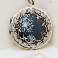 Locket,Brass Locket,Dandelions Locket,Photo Locket,Wedding Necklace,Vintage Locket,bridesmaid gift,locket necklace,38mm locket,