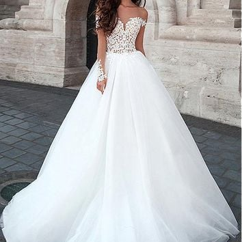 [139.99] Attractive Tulle Bateau Neckline Ball Gown Wedding Dresses With Lace Appliques - dressilyme.com