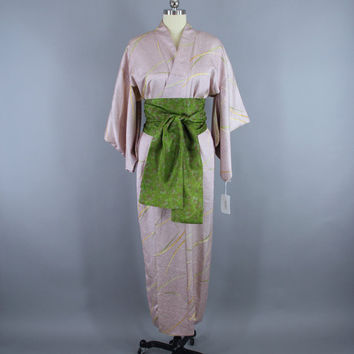 SALE - 1960s Vintage Silk Kimono Robe / 60s Silk Wedding Dressing Gown Lingerie / Downton Abbey Art Deco / Purple Shibori Print