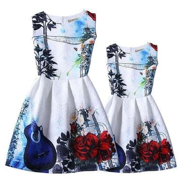 DCCKWQA 2016 summer family clothing European style Costumes family dresses fashion flower printing daughter dresses and mum dresses