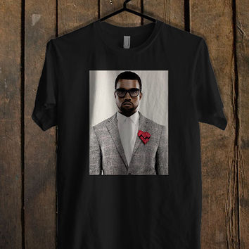 le-rappeur-kanye-west T Shirt Mens T Shirt and Womens T Shirt **