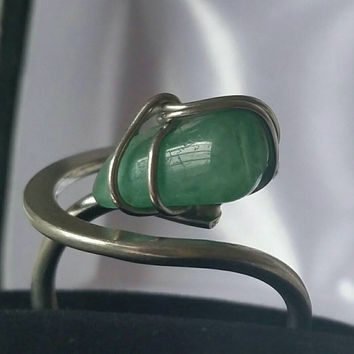 Vintage Wire Wrapped Silver Tone New Jade Ring