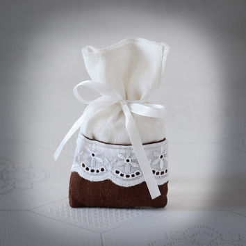 SET OF 25 Natural Rustic Brown and White Linen Wedding Favor Bag or Gift Bag 3x5 inches with madeira lace