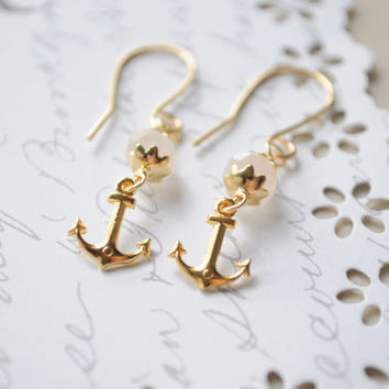 Sweet summer earrings Golden anchor earrings by littlejarofhearts