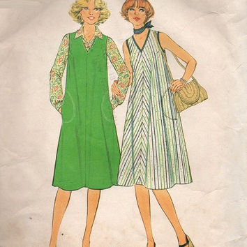 Simplicity 70s Sewing Pattern Retro Style Tent Dress Loose Fit Jumper Simple to Sew Hip Pockets Casual Day Dress Plus Size
