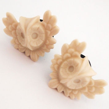 Off White Owl in Flight 1/2 inch 12mm Plugs Ecru by Glamsquared