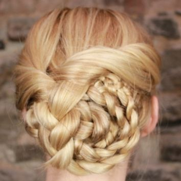 Easy Updo Prom Hairstyles | Prom Day Secrets