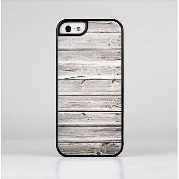 The Aged White Wood Planks Skin-Sert Case for the Apple iPhone 5/5s