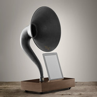 iPad® Gramophone - Walnut