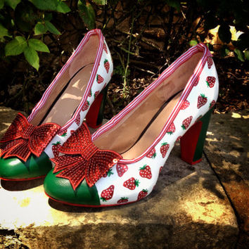 Hand-painted Fossil Strawberry Shoes, Ready to Ship! Size 7.5 (US) Size 38 (EU)