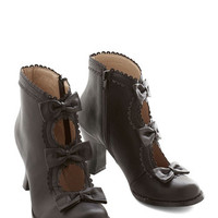 ModCloth French Powerful Protagonist Bootie in Black