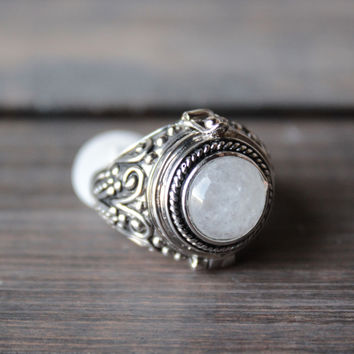 rock n rose - alma moonstone poison ring