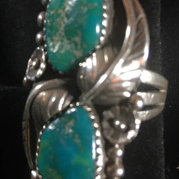 Turquoise and sterling silver Native American ring 10.5