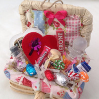 Dolls House Miniatures - Sweet Treats Hamper