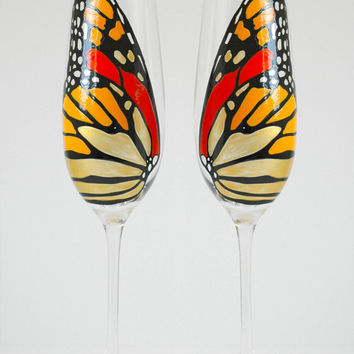 Monarch Butterfly Toasting Flutes - Set of 2 Personalized Champagne Flutes - Butterfly Wedding