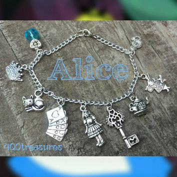 Alice in wonderland 9 Charms Bracelet