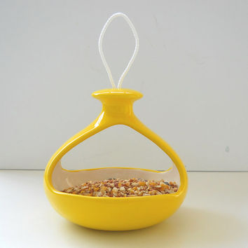 Bird Feeder Ceramic 2 Sided Retro Hanging Feeder In Lemon Yellow