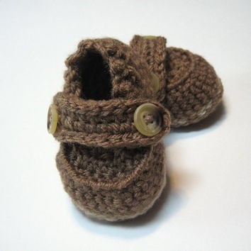 Crochet baby boy shoes.  Baby booties for boys.  Made to order.  0 to 6 months, 6 to 12 months.