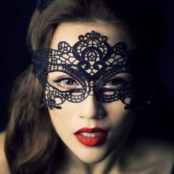Halloween Masquerade Sexy Lady Black Lace Mask hollow out Catwoman Batman veil = 5617216577