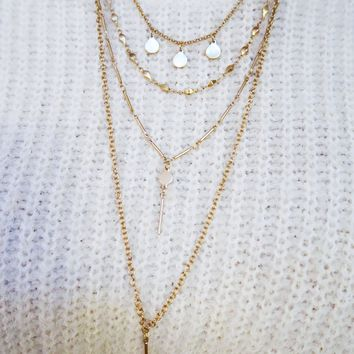 Christmas Time Necklace: Gold