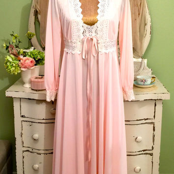 70s Lace Nightgown Set, 1970s Olga Peignoir, Soft Pink Nightie Set, Elegant Nightdress Set, Vintage Robe Set, Two Piece Night Set, Small