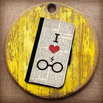 I Heart Harry Potter Inspired Wallet Case. Choose iPhone 4/4s, 5/5s, 5c or Galaxy S3, S4.