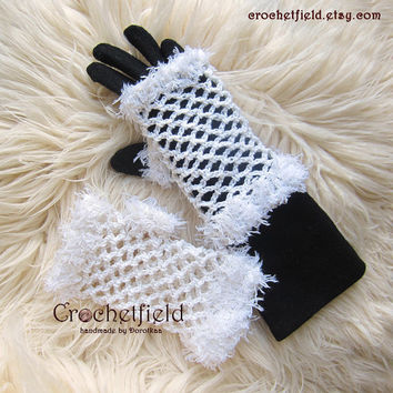White Crochet Mittens, Fingerless Gloves, Lace Hand warmers, Wrist Cuffs ,Gift for her, Women's Fashion Accessory