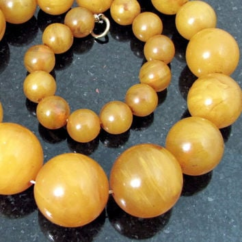 Vintage Butterscotch AMBER BAKELITE Bead Necklace Egg Yolk Antique