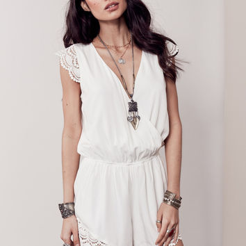 PIA LACE ACCENT ROMPER - OFF WHITE