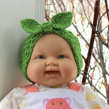 St. Patrick's baby headband. Knit Rosie headband. Apple green wool. Baby head wrap. Baby knot headband. Photo prop. Newborn to 18 months.