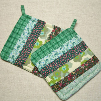 Green Strippy - Quilted Insulated Pot Holders - Set of 2 - Hot Pads, Trivets, Kitchen, Floral, Green