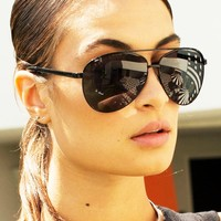 Quay Eyeware Vivienne Sunglasses in Black
