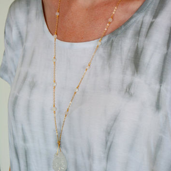 Long Druzy Quartz Pendant Necklace/Simple Organic