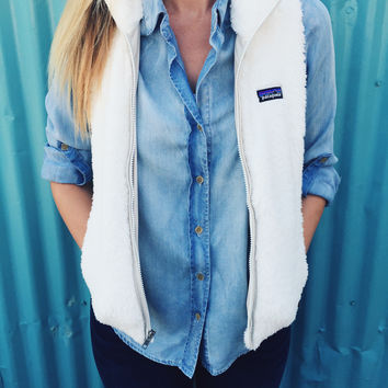 Patagonia Women's Los Gatos Vest- Birch White