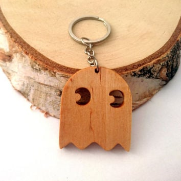 Walnut/Birch Wood Pac-Man Ghost Keychain, Gamer's Wooden Keychain, Cool Keychain,Geek Keychain, Environmental Friendly Green materials