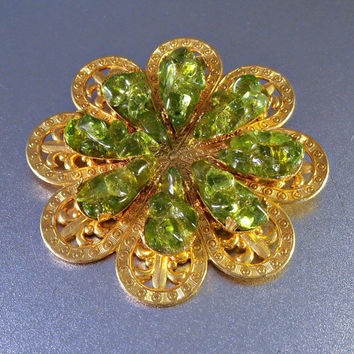 Peridot Art Glass Filigree Brooch, Miriam Haskell Style, Gilt Fleur de Lis