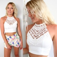BOHEMIAN WHITE HIGH NECK LACE CROCHETED BIB CROSS BACK CROPPED TOP 6 8 10 12