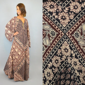 1970s ANGEL SLEEVE bohemian batik ethnic hippie gypsy KAFTAN maxi dress, one size fits all