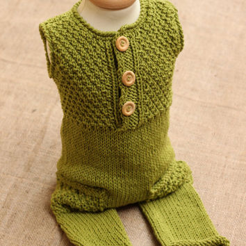 Merino wool Green Knit Romper / Newborn Photo Props / Baby Boy Outfit / Newborn Boy Photo outfit