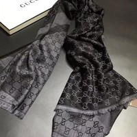 2017 autumn and winter latest Gucci latest high-end scarves