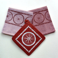 Bicycle Kitchen Towels and Hotpad Set of 3-Road Bike Mountain Bike Wheels-Bicycle Gift