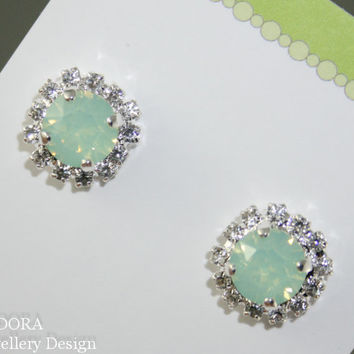 Green earrings, Mint Green Crystal Stud earrings,Seafoam earrings,Mint green crystal earrings,Swarovski crystal,Mint Green Bridal jewelry