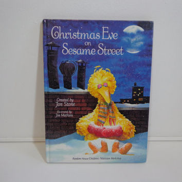 Christmas Eve On Sesame Street Full Color Illustrated Vintage 1981 Children's Story Book by Random House
